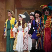 Andy Sunnucks (Andy Green), Gemma Pring (Rose Red), Megan Moore (Snow White), Katherine Apps (Francis Black) & John Samson (Dame Rainbow)