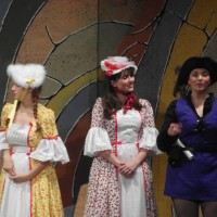 Gemma Pring (Rose Red), Megan Moore (Snow White) & Katherine Apps (Francis Black)