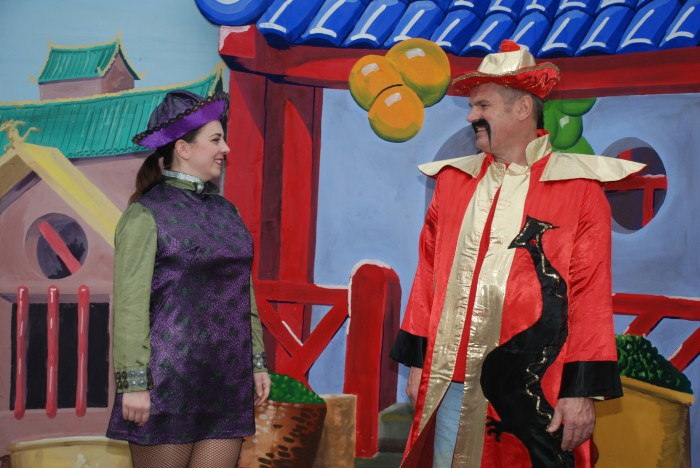 Katherine Apps (Aladdin) & Tony Shoebridge (Emperor of China)